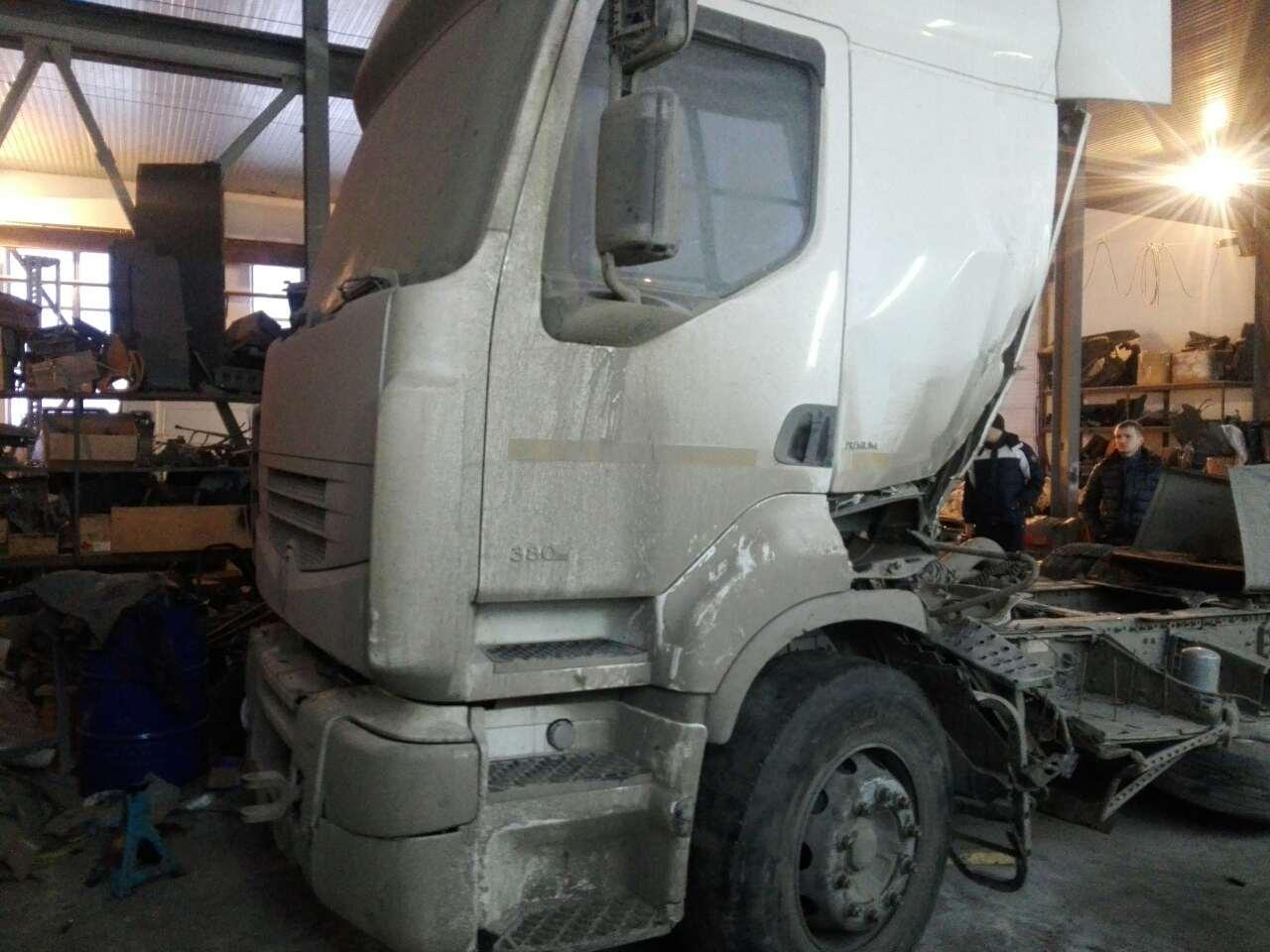 На разборе Renault Premium Vostok 3 380 л.с.